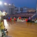 Na cadeira do Papa: a história do pequeno Carlos