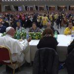 Papa Francisco almoça com os pobres na Sala Paulo VI
